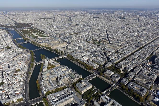 Vue aérienne du centre de Paris, dont les arrondissements de la rive droite (1er, 2e, 3e et 4e) pourraient fusionner.