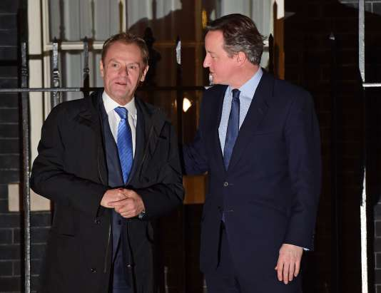 Le premier ministre britannique, David Cameron (à droite), accueille le président du Conseil européen, Donald Tusk, dans sa résidence du 10, Downing Street, le31janvier2016.
