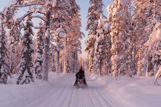Excursion à motoneige à Ylläs (Finlande).