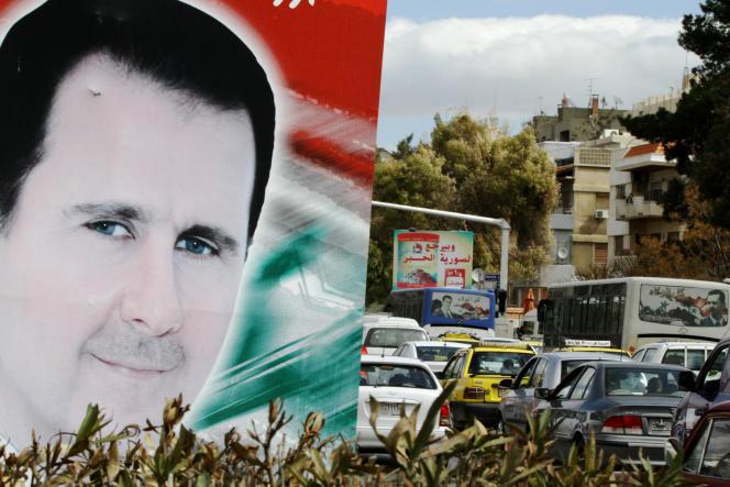 Portrait de Bachar Al-Assad dans les rues de Damas en mars 2015.