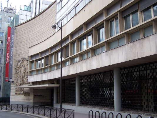 Depuis le début des années 1990, Télécom ParisTech a mis en place un MS «cybersécurité et cyberdéfense».