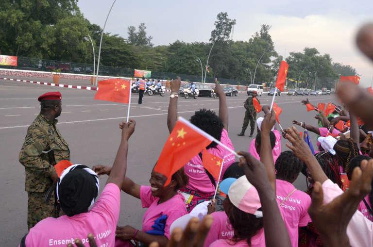 Lors d'une visite du couple présidentiel chinois à Brazzaville, au Congo, le 29 mars 2013.