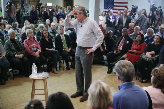 Le candidat à l'investiture républicaine, Jeb Bush, lors d'un meeting à Manchester, dans le New Hampshire, lundi 1er février.