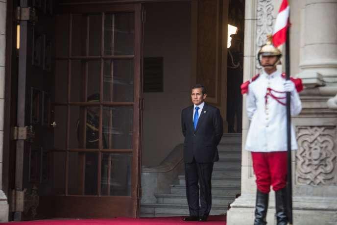 Le président péruvien Ollanta Humala, devant le palais présidentiel, à Lima, le 2 février.