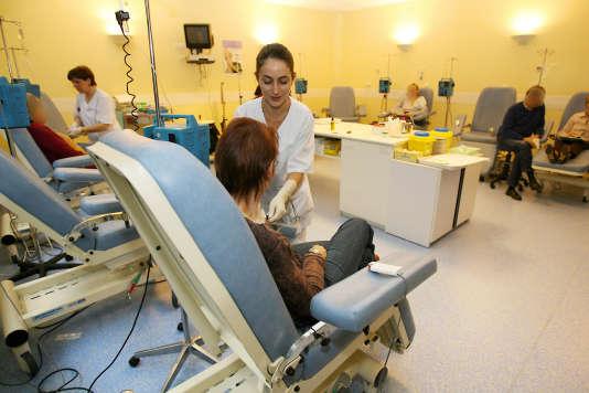 Chimiothérapie à l'hôpital Oscar Lambret de Lille.