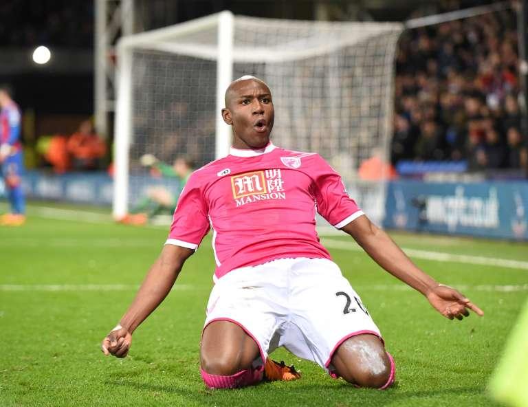Le buteur de Bournemouth Benik Afobe célèbre le second goal le 2 février 2016 contre Crystal Palace, dans la English Premier League. Il est désormais convoité dans son pays d'origine, la RDC.