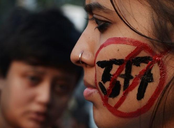 Des militants homosexuels protestent contre l'article 377 du code pénal, le 11 décembre à Calcutta.