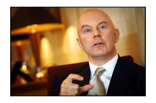 En 2008, Roger Jenkins, dirigeant de la Barclays, était chargé de trouver des capitaux pour renflouer la banque.    directeur du management dans la section Capitaux Structures  *** Local Caption *** Roger Jenkins, Managing Director of Structured Capital Markets at Barclays.