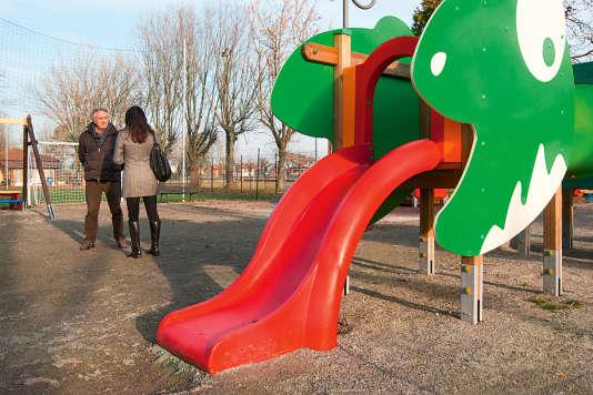 Les enfants de quelque 200 Italiens ou immigrés démunis sont visés par l'interdiction prise par la maire de San Germano Vercellese, élue du parti xénophobe de la Ligue du Nord.