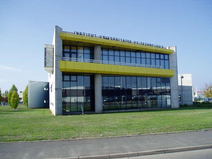 Institut universitaire de technologie (IUT) de Moulins ( Allier).