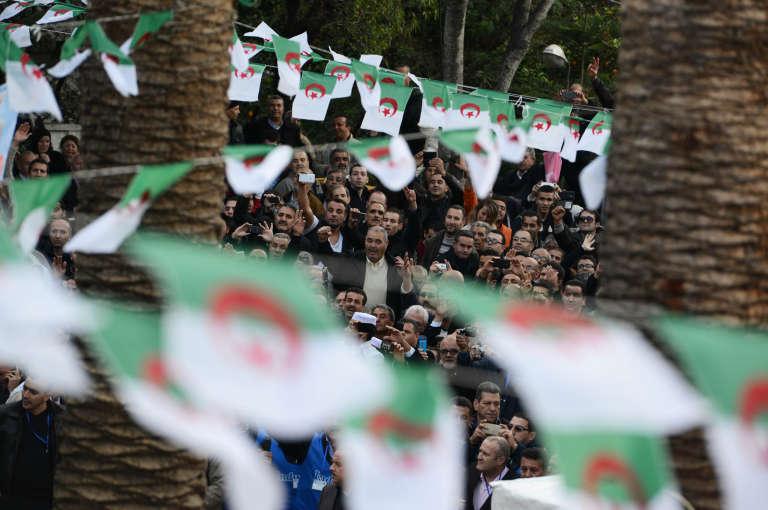 A Alger, le 31 décembre 2015, lors des obsèques de l'opposant Hocine Aït Ahmed.