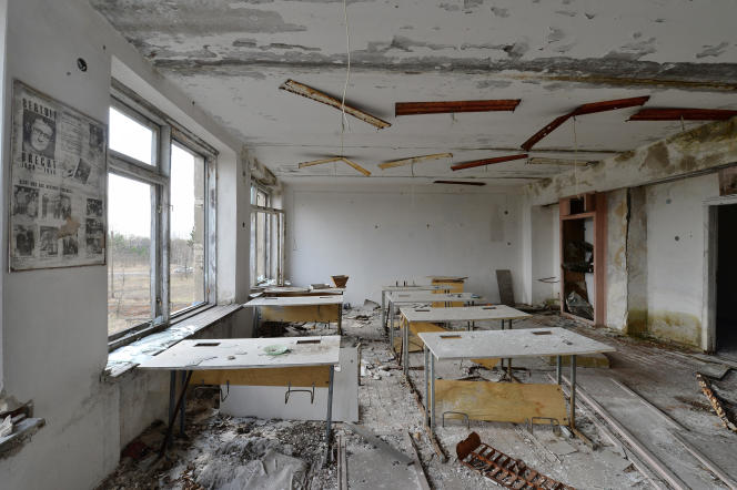 Une salle de classe du village abandonné d'Orevichi, dans la zone d'exclusion autour du réacteur nucléaire de Tchernobyl.