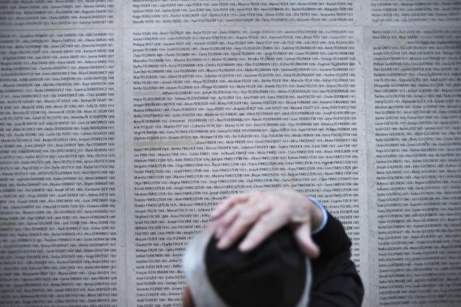 Au mémorial de la Shoah de Paris en avril 2010.