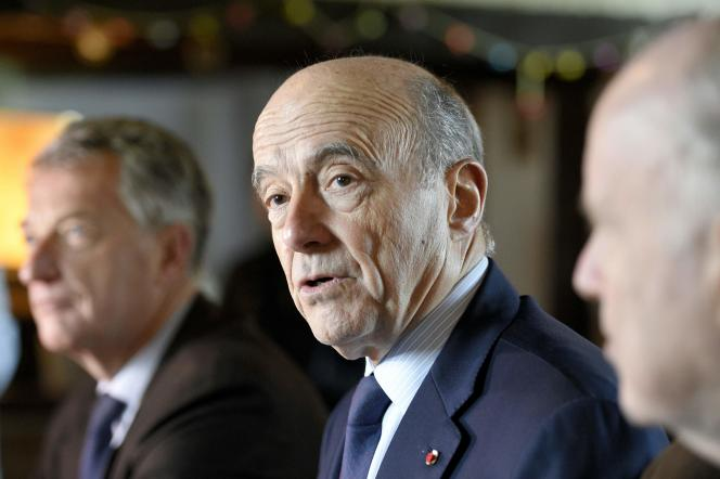 Alain Juppé lors d'une conférence de presse à Romillé, le 3 février 2016.
