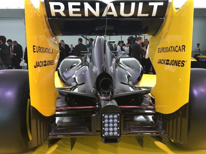 Arrière de la RS16, présentée le 3 février par Renault Sport Racing Team.