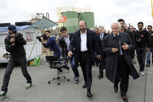 """Tournage de la série """"Baron Noir"""", à l'usine Clamex, Dunkerque, le 13 juin 2015."""