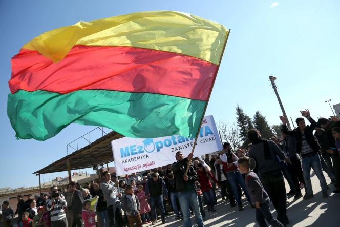 Manifestation pro-Kurdes à Kamichliyé, dans le nord-est de la Syrie, le 4 février 2016.