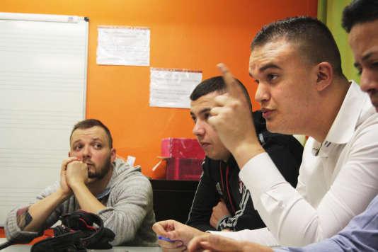 Pour Mehdi Meksen, président de l'association Insertion Sport Jeunesse, inscrire la loi sur la déchéance de nationalité risque de «diviser les Français».