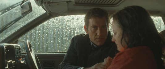 Belfast, 1993. Mac (Clive Owen) est l'officier traitant du MI5 qui tente d'instrumentaliser Colette (Andrea Riseborough) membre une famille d'activistes de l'IRA.