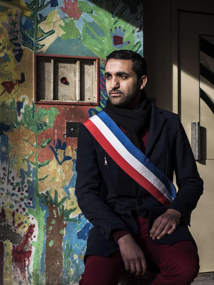 Amine El Kahtmi, adjoint au maire d'Avignon, dans le quartier de la Reine-Jeanne.