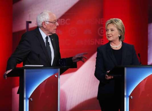 Hillary Clinton et Bernie Sanders lors du débat démocrate, le 4 février, à Durham dans le New Hampshire.