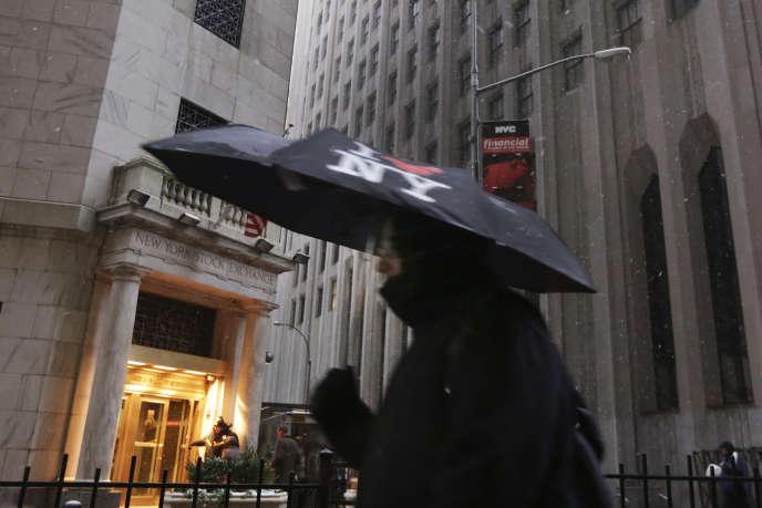 Wall Street a fêté le Dow Jones lorsque l'indice a franchi le cap des 20 000 points le 25 janvier, le voici qui s'attaque aux 21 000 points.