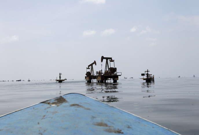 Puits de pétrole, dans le golfe de Maracaibo, à l'ouest du Venezuela