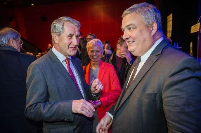 Le président du conseil départemental du Haut-Rhin Eric Straumann, à droite, en décembre 2015.