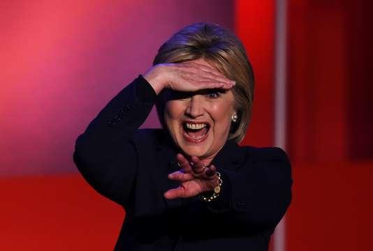 La candidate démocrate Hillary Clinton, à l'issue d'un débat avec Bernie Sanders à l'université du New Hampshire à Durham, le 4  février.