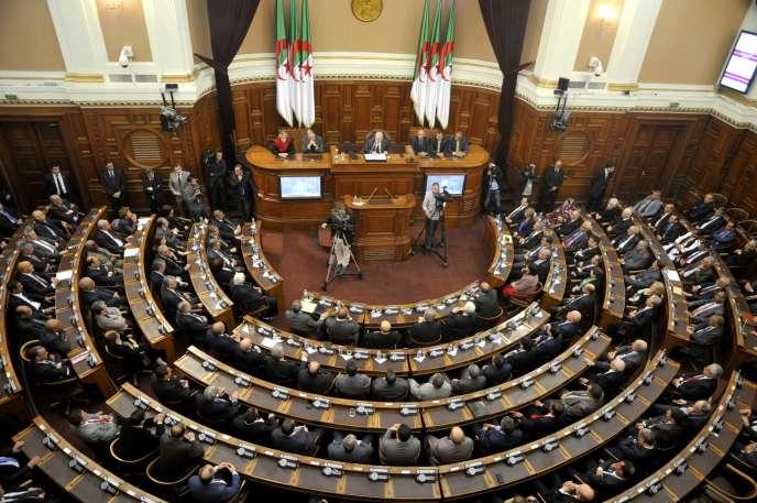 Réunion du Sénat algérien, le Conseil de la nation, à Alger, le 2 février 2016.