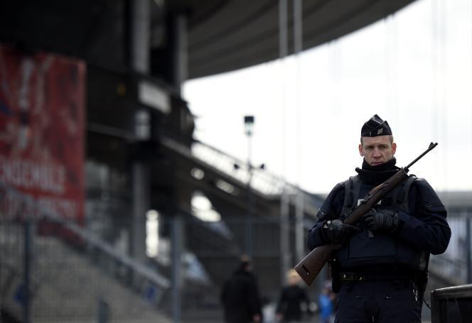 Depuis les attentats de 2015, la sécurité des stades a été renforcée.