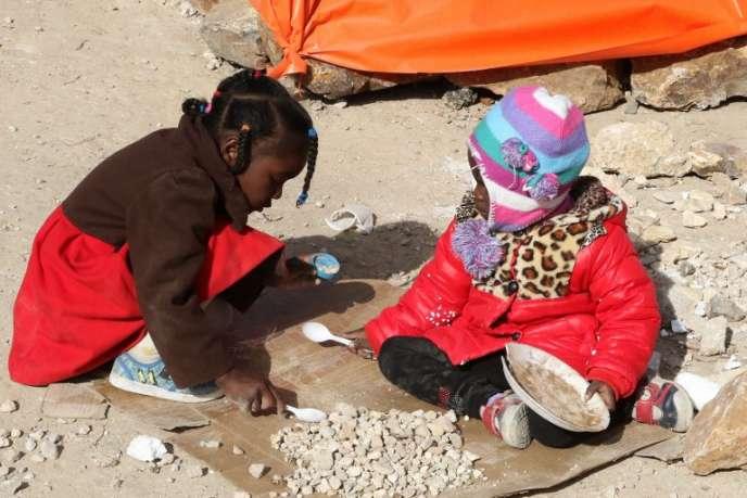 Réfugiés soudanais de la région du Darfour, où la guerre fait rage.