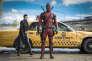 """Brianna Hildebrand et Ryan Reynolds dans le film américain et canadien de Tim Miller, """"Deadpool""""."""