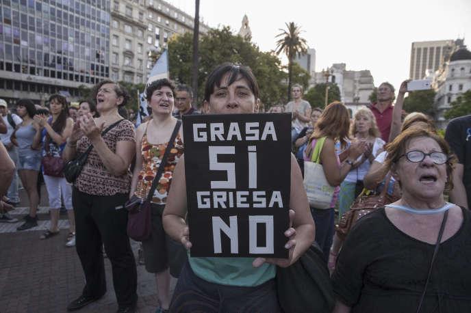 Manifestation à Buenos Aires, le 15 janvier, contre le juge américain Thomas Griesa chargé du dossier de la dette argentine