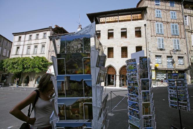 Le projet de loi sur le patrimoine est très contesté et accusé de mettre en danger des centres urbains historiques qui font la richesse de la France. Ici, le centre-ville de Figeac dans le Lot en août 2007.