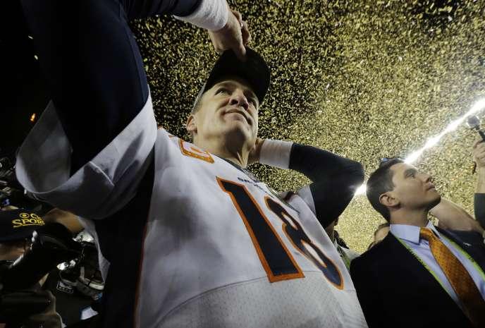 Peyton Manning est donc devenu à 39 ans et 320 jours le quarterback le plus âgé de l'histoire à remporter le titre suprême du football américain.