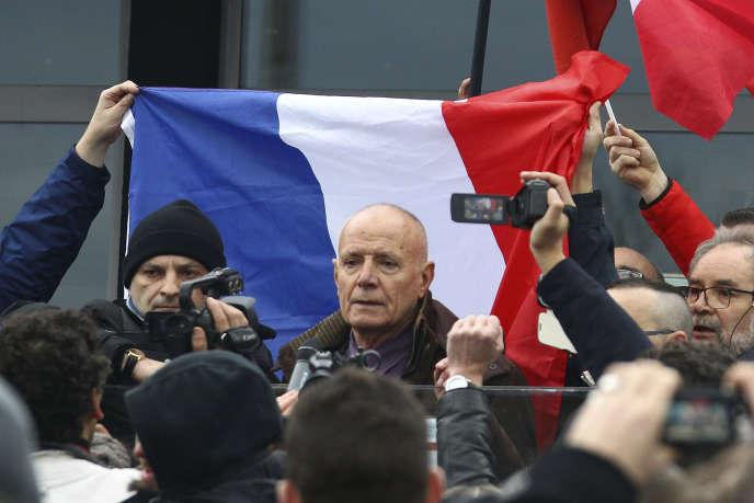 Le général Piquemal à Calais lors d'une manifestation contre les migrants, samedi6février.