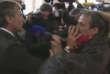Témoignage de la frénésie médiatique, l'ancien ministre du budget Jérôme Cahuzac a dû se frayer un chemin parmi les journalistes lors de l'ouverture de son procès, lundi 8 février.