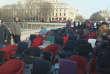 Environ 150 militants altermondialistes ont manifesté lundi 8 février à Paris, à l'occasion de l'ouverture du procès de Jérôme Cahuzac.