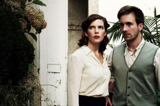 """Judith Davis et Grégoire Leprince-Ringuet dans le film portugais de Carlos Saboga, """"A une heure incertaine"""" (""""A uma hora incerta"""")."""