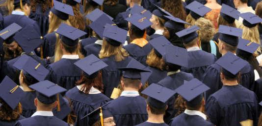 Cérémonie de «graduation» (remise des diplômes) pour le  « bachelor degree » aux Etats-Unis.