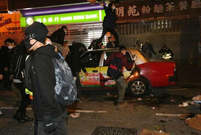 Une violente émeute a éclaté à Hongkong dans la nuit du 8 au 9 février.