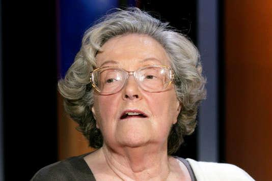 L'écrivaine Juliette Benzoni lors de l'enregistrement de l'émission « Vol de nuit », sur le plateau de la chaîne de télévision TF1, le 24 mai 2007, à Paris.