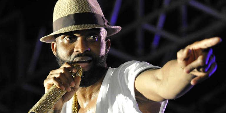 Fally Ipupa au Festival des musiques urbaines d'Anoumabo près d'Abidjan, le 26 avril 2015.