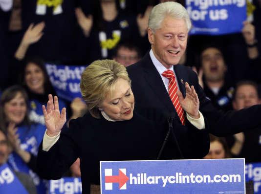 Hillary et Bill Clinton lors d'un meeting dans le New Hampshire, le 9 février.