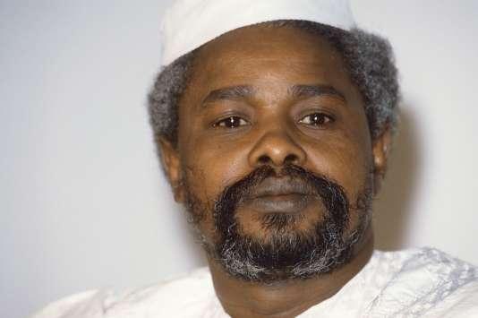 Hissène Habré, alors président du Tchad, à N'Djamena, en janvier 1987.