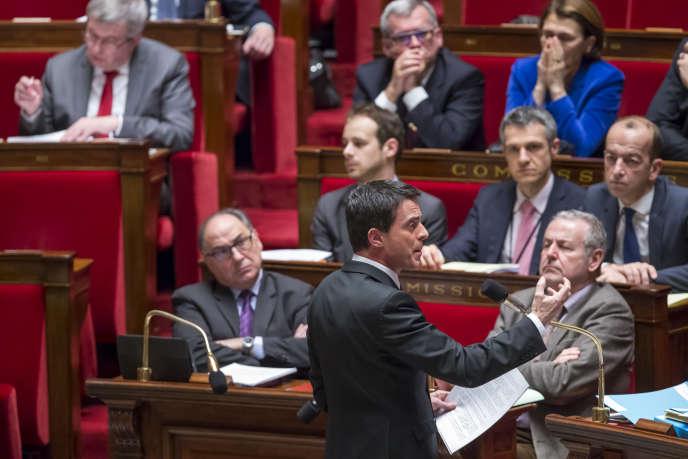 Manuel Valls participe au débat sur la déchéance de nationalité et la révision constitutionnelle à l'Assemblée nationale, mardi 9 février,  à Paris.