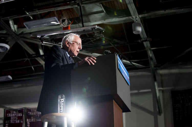 Devenu sénateur par la suite, Bernie Sanders, au nom de ses convictions pacifistes, est l'un des rares élus à s'opposer à l'invasion de l'Irak en2003.