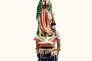 """Extrait du travail """"The Road to Tepeyac """" 125 images de pélerins mexicains portant une représentation personnelle de la Vierge de Notre-Dame de Guadelupe."""