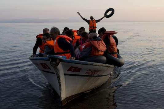 En 2015, la majeure partie des centaines de milliers de migrants se retrouvant en Europe étaient arrivés après avoir quitté les côtes turques à destination de la Grèce.